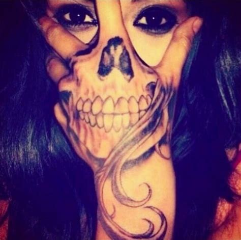tattoo on hand bad idea hand tattoo skeleton i n k pinterest sexy