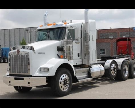 buy used kenworth 1000 ideas about kenworth trucks for sale on