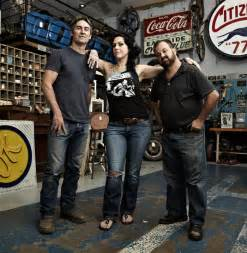 Pics photos american pickers stars mike wolfe danielle colby and