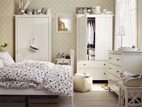 gruen tuerkis streichen - Schlafzimmer Aktion
