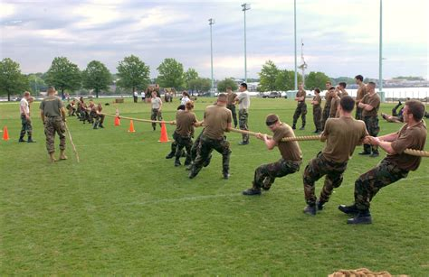 File Tug Of War 2 Jpg Wikimedia Commons