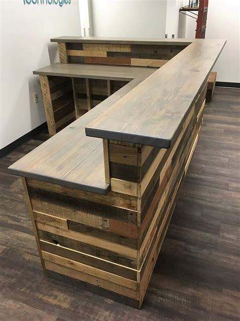 L Shaped Bar Table Wood Pallets L Shape Desk Counter And Bar Table Pallet Wood Projects
