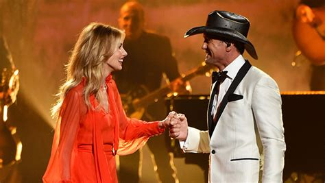 Faith Hill Getting Owned At The Cmas by Tim Mcgraw Faith Hill S Performance At Cmas Rest Of
