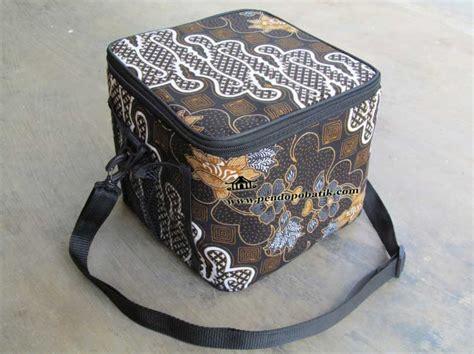 Tas Pembawa Bekal tas bekal makan siang motif batik pendopo batik