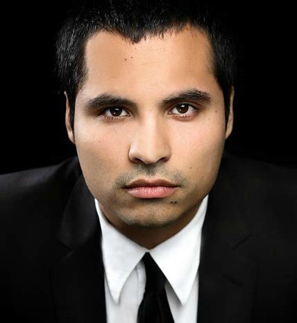 michael pena vs jacob vargas michael pena set to play cesar chavez in the bio pic