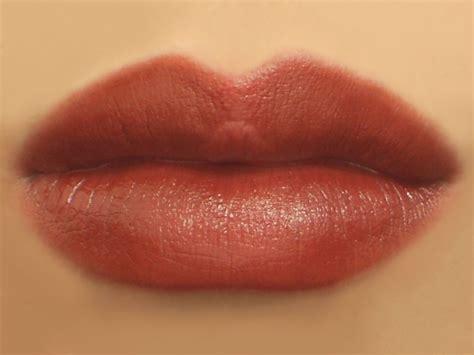 tips memerahkan bibir secara semulajadi  cantik