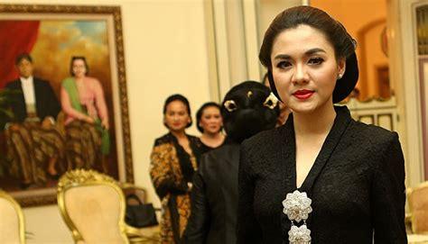 Foto Acara Pernikahan Lamaran Acara Seminar shu bantah acara lamaran dirinya seleb tempo co