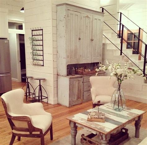 joanna gaines farmhouse farmhouse touches great spaces chip gaines search and the plan