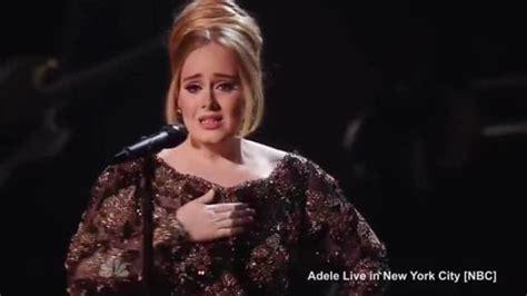 New Elma Crop Ori Sancaka adele scoppia in lacrime durante concerto a new york dopo aver cantato 171 someone like you