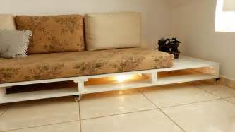 how to turn old pallets into pallet couch