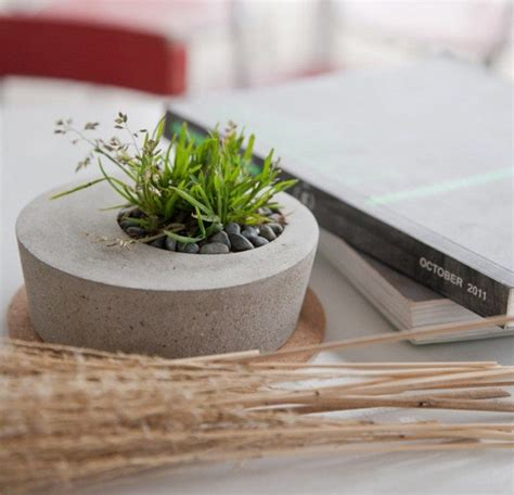Handmade Planters - how to make your own concrete planter the owner builder