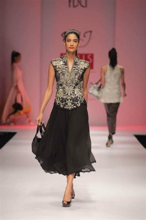 dolly j fashion designer dolly j the fashion orientalist