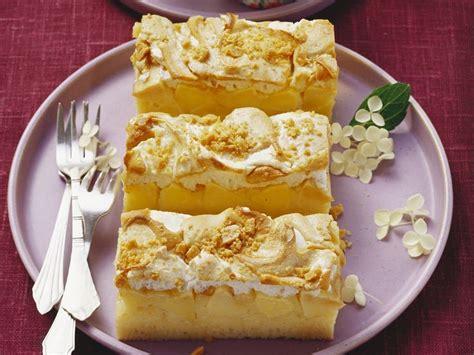 topping kuchen apfelkuchen mit erdnuss baiser topping recipe kuchen