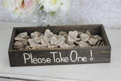 easy do it yourself wedding favors say i do to these fab 51 rustic wedding decorations