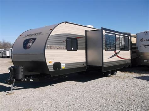 new 2016 284bf 2 bedroom travel trailer