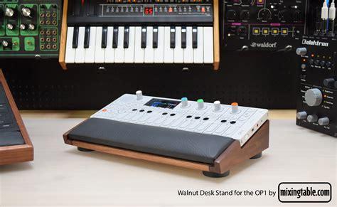 2 desk stand op 1 desk stand mixingtable