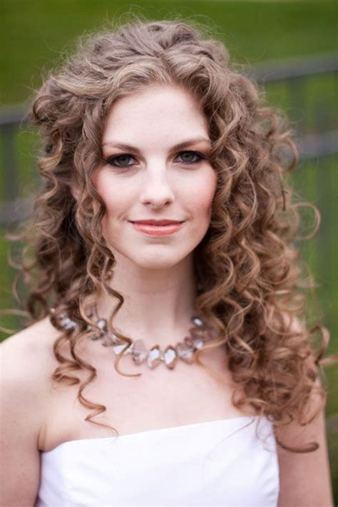 18 Perfect Curly Wedding Hairstyles For 2015 Pretty Designs | 18 perfect curly wedding hairstyles for 2015 pretty designs