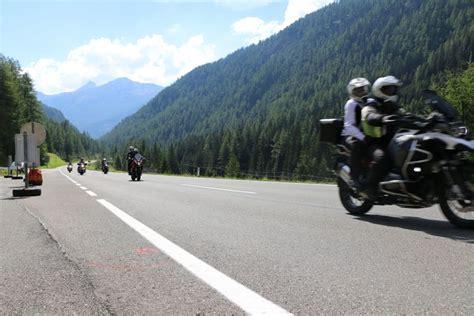 Motorradtouren In österreich by Mit Dem Motorrad In 214 Sterreich 252 Ber Alpenp 228 Sse