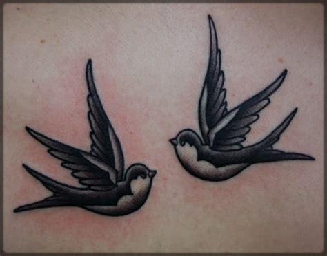 swallow tattoo black and grey jask 243 łka wz 243 r tatuażu pictures to pin on pinterest