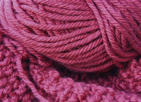 mb in knitting file knitting wool jpg wikimedia commons