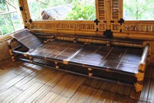 Kursi Santai Bambu menerima pembuatan rumah bambu gazeboo dan saung lesehan