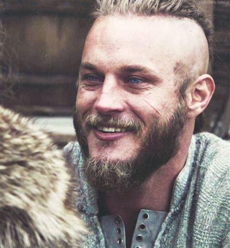ragnar lodbrok barbe i love bad bitches ragnar lothbrok vikings pinterest