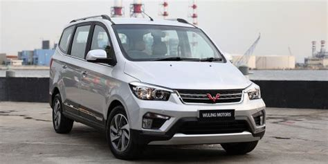 Wuling Confero L Wuling Confero S 1 5l Plus Price Review And Specs Oto