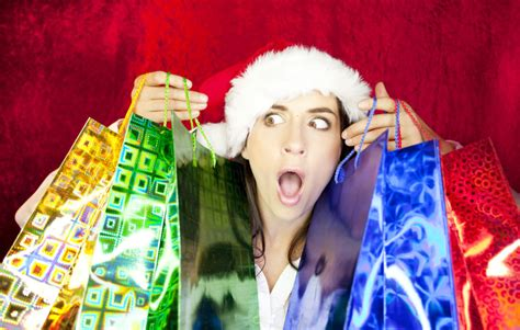avoid last second christmas shopping with these tips