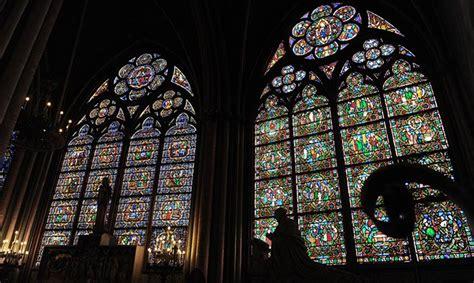 notre dame interno notre dame de cattedrale gotica famosa per i gargoyle