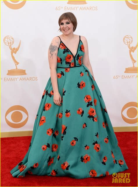 lena dunham red carpet lena dunham emmys 2013 red carpet photo 2958112 2013