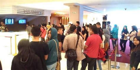 cineplex sarinah berebut tiket the conjuring 2 bioskop di kota malang