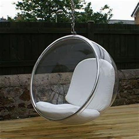 tweedehands ei stoel design in de tuin hangende transparante bubble stoel te