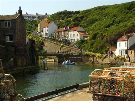 old jack s boat cast photos holiday cottage in staithes yorkshire coast