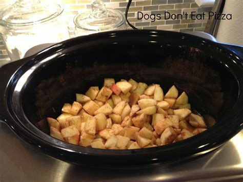 can dogs eat applesauce the friday five five ways to get ready for fall dogs don t eat pizza