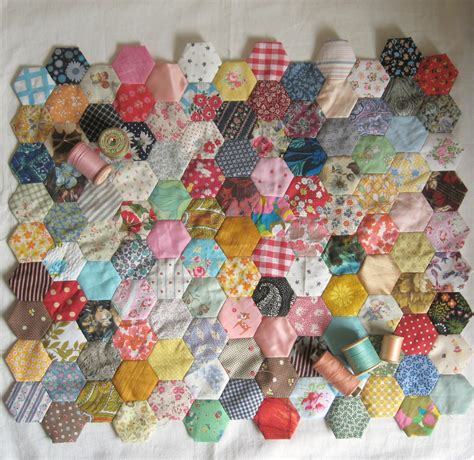 Sewn Patchwork - sewing hexagons and paper piecing on the cheap