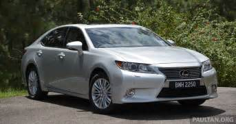 driven 2013 lexus es 250 and 300h sled image 219442
