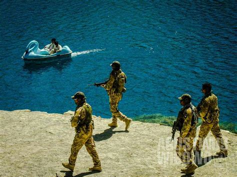 film perang melawan taliban selimut debu 104 antara kepercayaan dan realita