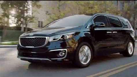 who is the in the kia commercials autos post