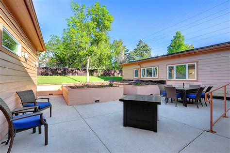 The Patio Lakewood by Sevens Residential Memory Care In Lakewood Colorado