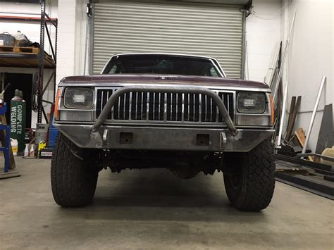 jeep xj bumper 84 to 01 jeep cherokee xj front bumper with led pods d