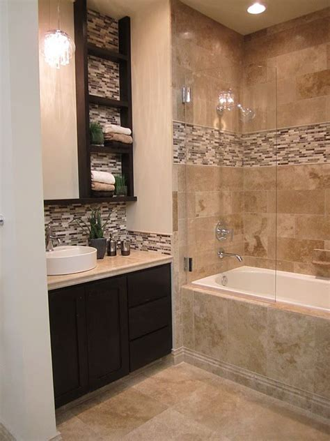 mosaic ideas for bathrooms 25 best ideas about tile tub surround on