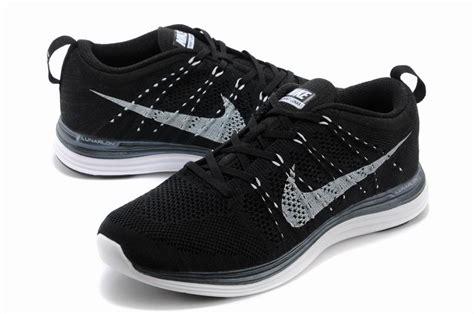 nike flyknit lunar 1 s running shoes black white