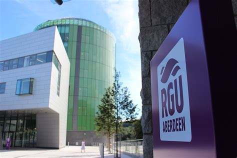 Rgu Mba Graduation by Study At The Prestigious Robert Gordon 163 3 000