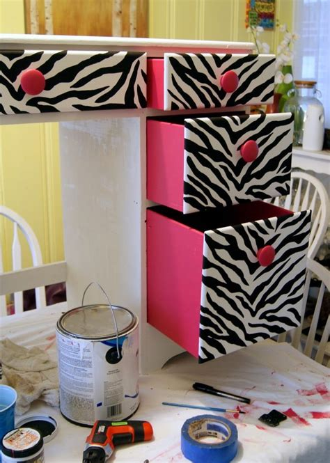zebra decor for bedroom best 25 zebra print rooms ideas on pinterest zebra