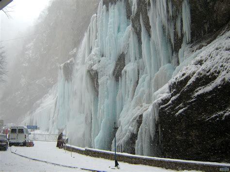 frozen waterfall wallpaper scenic frozen waterfall wallpapers and images wallpapers