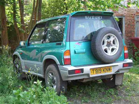 suzuki 1999 vitara jx 4 u hard top green spare or repair car for sale
