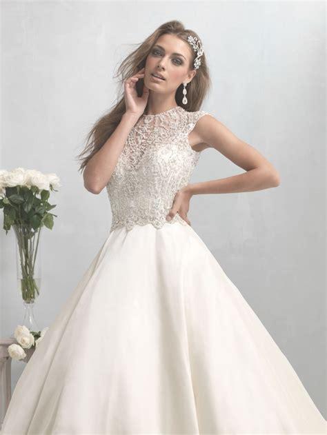 Nz 9100 Dress Turtle V wedding dresses modwedding