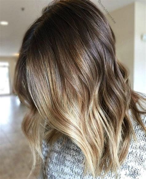 light hair color framing face with brown in back 40 of the best bronde hair options
