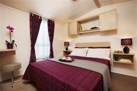 burgundy bedroom ideas caravans homes