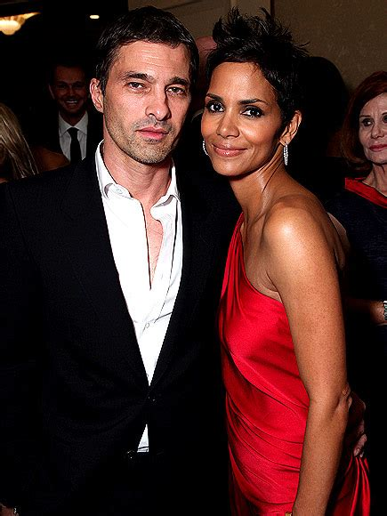 Halle Berry Has A New Dating Strategy by Blackbabes Halle Berry Is Not Dating As Divorce